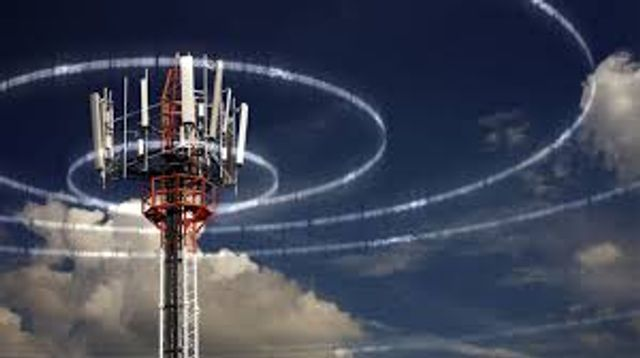 """Very large """"Cell towers"""" in space connecting direct to mobile - Series B - $110m so far featured image"""