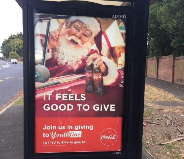 """New Zealand Advertising Standards Authority Says """"No"""" to Santa featured image"""