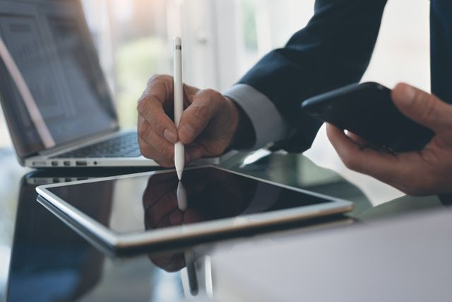 """Electronic Signatures and Contract """"Informalities"""" –  FAQs featured image"""