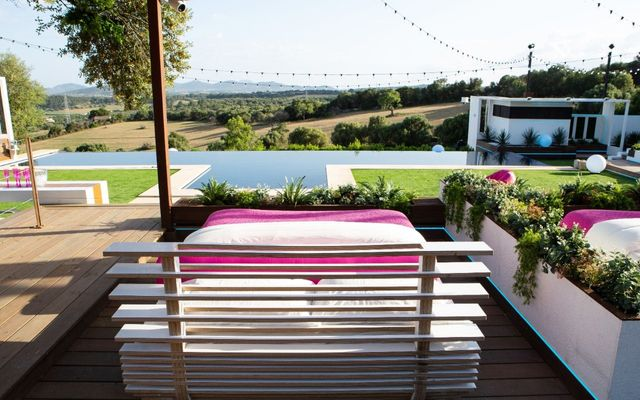 Love Island is over - so let's take possession of that Villa featured image