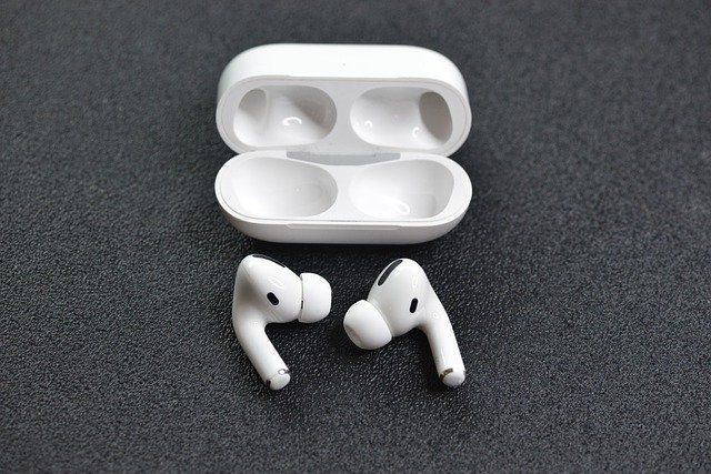 Future AirPods might interpret facial gestures to control your device featured image