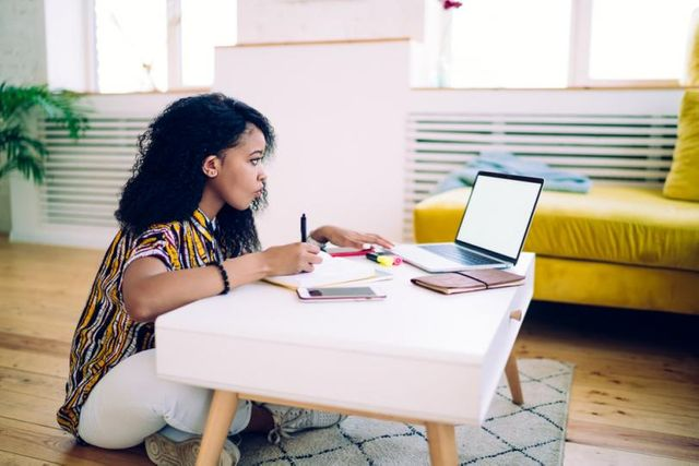 12 ways recruiters can add value during a hiring freeze featured image