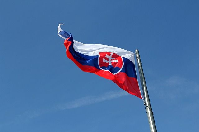 Does the Slovak employment contract need to be in Slovak? featured image