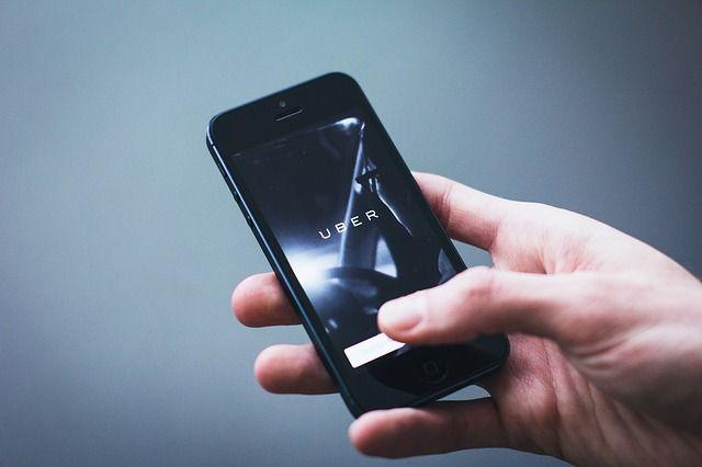 Kontroverzné rozhodnutia v oblasti platforiem Uber a Deliveroo v zahraničí. Týka sa nás to? featured image