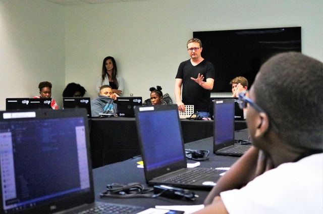 Students get a peek into programming featured image