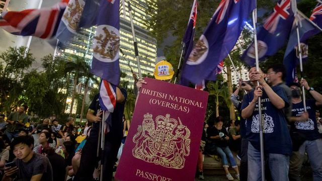 UK opens door to citizenship for 300,000 HK residents featured image