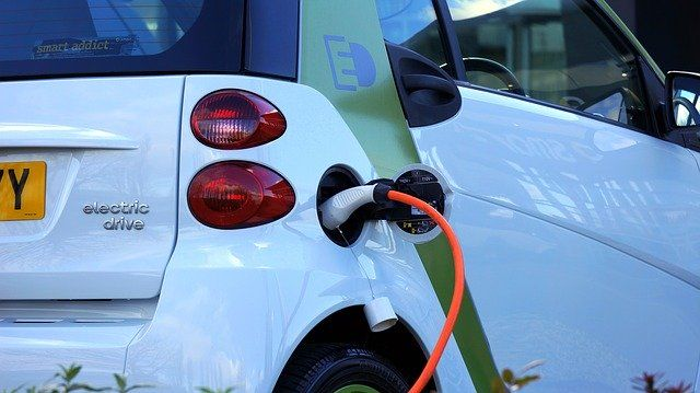 Two steps forward and one step back: Government continues EV funding but cuts level of grants featured image