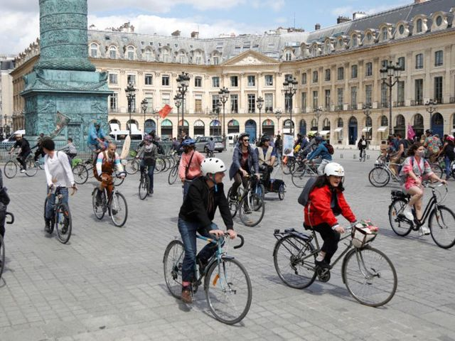 A mobility revolution?  French politicians vote 'oui' to bikes for bangers plan featured image