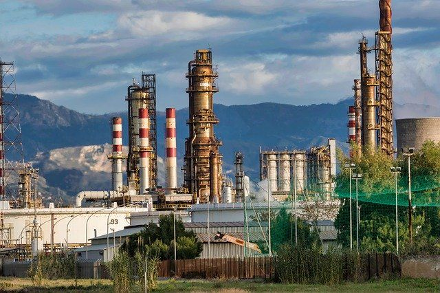 US sanctions Rosneft sub for trading with Venezuela featured image