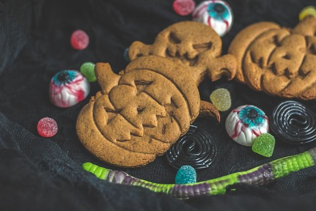 Privacy group challenges website cookie use featured image