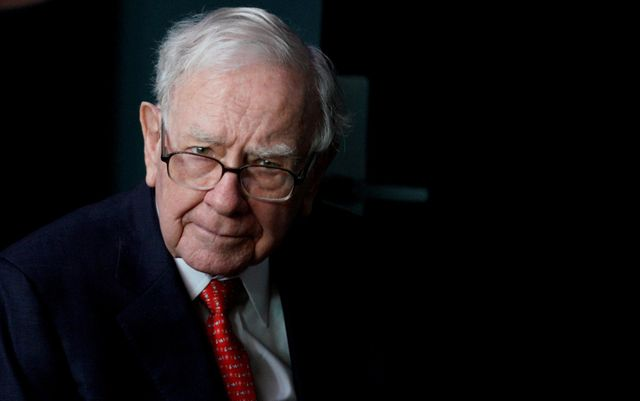 """Warren Buffet: """"acquisitions are similar to marriage"""" featured image"""