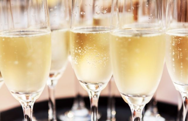 PDO owners to crack open the bubbles? CJEU confirms PDO protection extend to services featured image