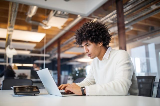 How AI Is Transforming The Future Of Sales featured image