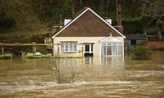 UK struggling to keep pace with climate change impacts, says the CCC featured image