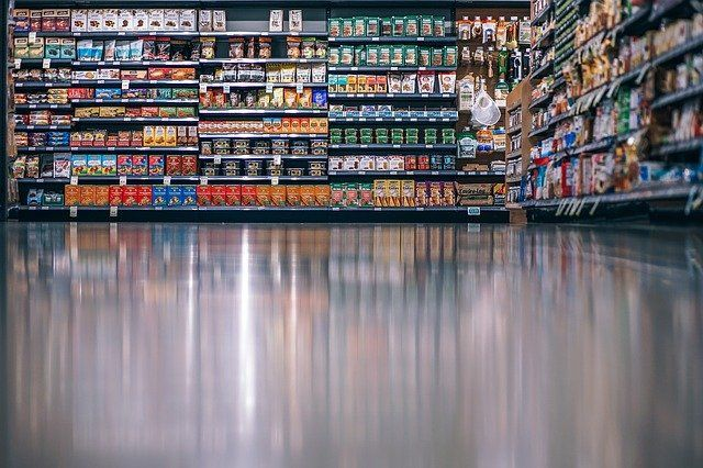 What are consumers required to read on food and beverage labels? featured image