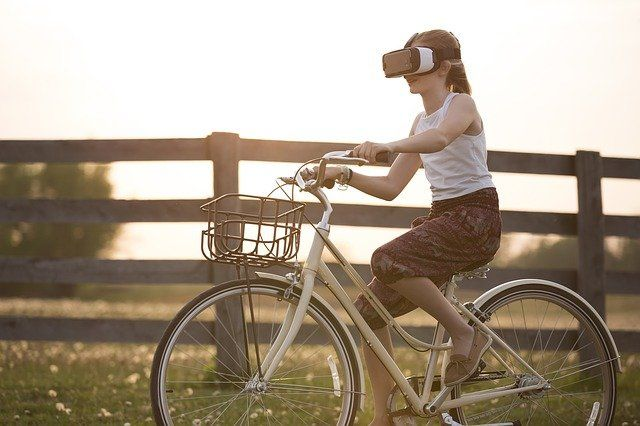 The Virtual Lifestyle Goes Public featured image