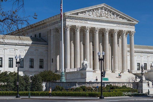 Clear as mud: SCOTUS decision in Ford case expands notions of specific personal jurisdiction in product liability cases. featured image