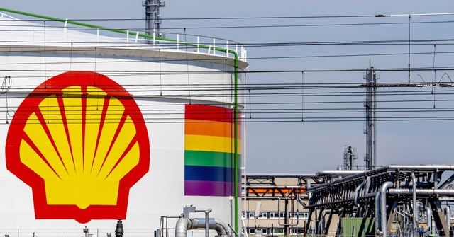 Dutch Court Orders Shell to Reduce Emissions to Combat Climate Change featured image