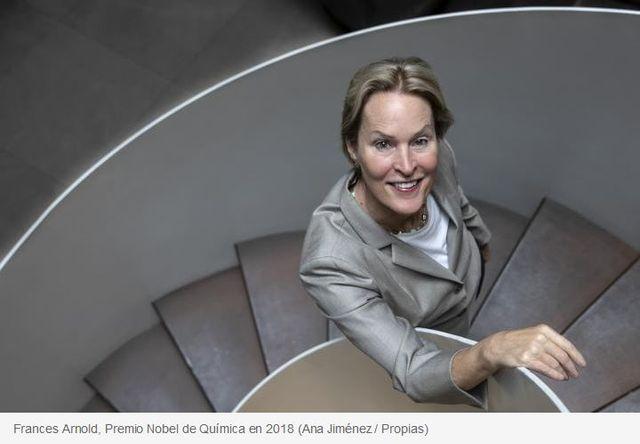"""Frances Arnold: """"Las bacterias nos pueden ayudar a degradar los plásticos"""" featured image"""