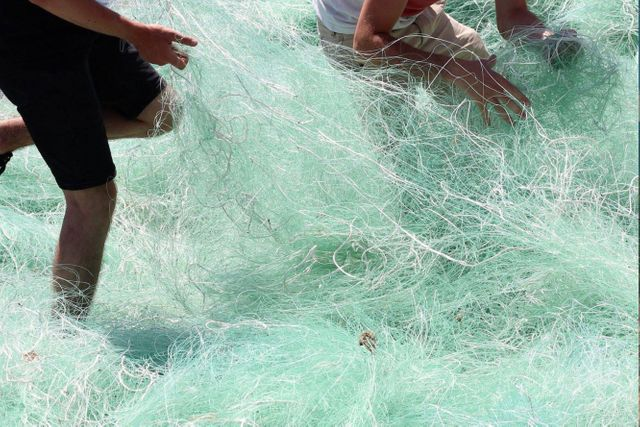 Green news France: Fishing nets into sunglasses, eco-vans for artisans featured image