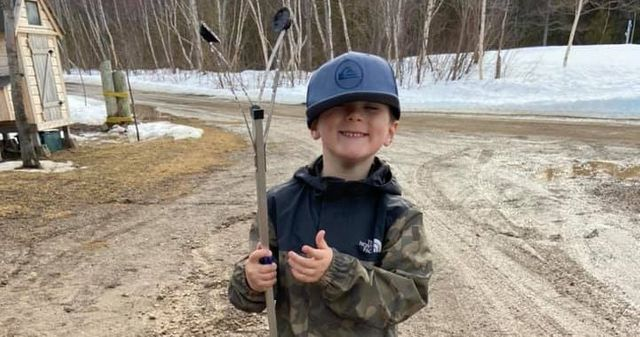 A 4-year-old New Brunswick boy's mission to protect the planet, one garbage bag at a time featured image