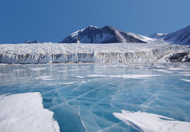 La Antártida sigue amenazada treinta años después featured image
