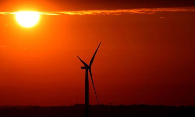 Global renewable energy grew at fastest pace in two decades in 2020 featured image