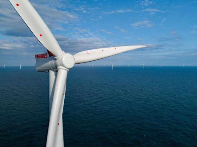 Ørsted Commits to Recycling Wind Turbine Blades featured image