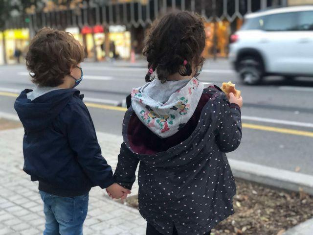 Un nuevo estudio relaciona la contaminación ambiental con el desarrollo infantil featured image