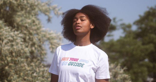 Ecosia lance sa première collection de T-shirts qui plantent des arbres featured image