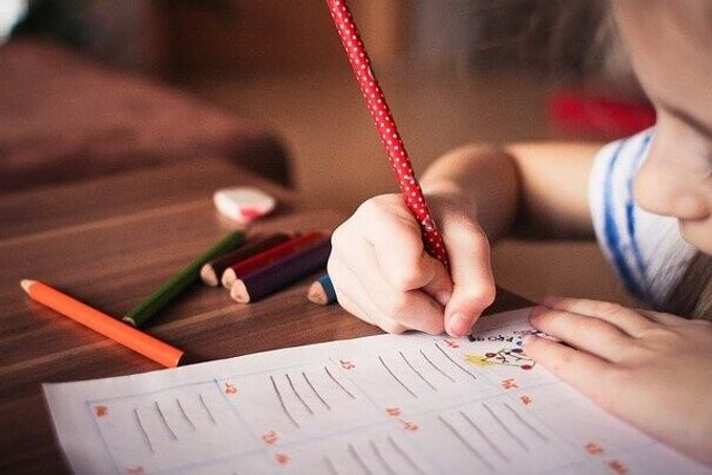 La ortografía, la comprensión lectora o las matemáticas son peores en los niños que estuvieron expuestos a contaminación del aire featured image