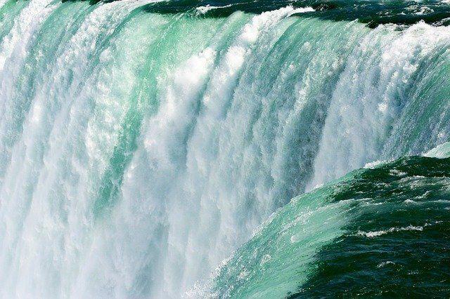 El agua, riesgo de desastre o escasez grave, según la zona del mundo featured image