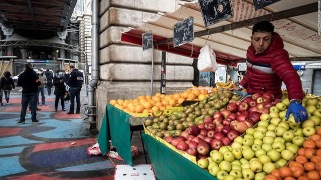 France to ban plastic packaging for fruit and vegetables from January featured image