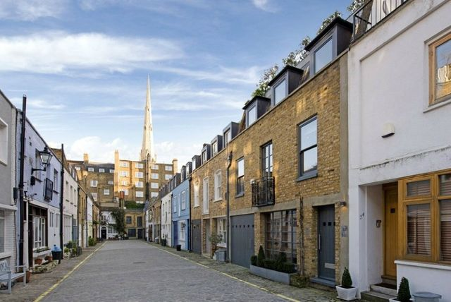 The upside of downsizing to a London mews featured image