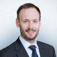 Tom Hutchison, Senior Associate, Freshfields Bruckhaus Deringer