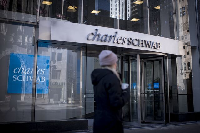 Charles Schwab says retail trading kept booming in second quarter amid market comeback featured image