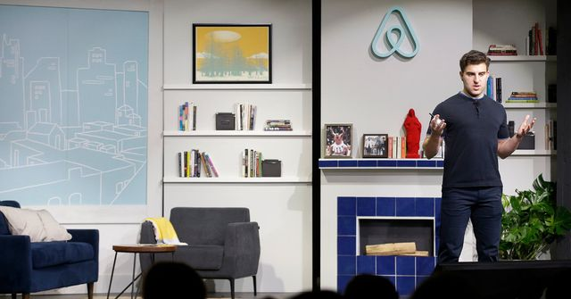 Airbnb and Others Set Terms for Employees to Cash Out featured image