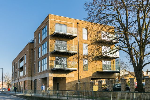 Last opportunity to purchase at the popular Twickenham House development in TW1 featured image