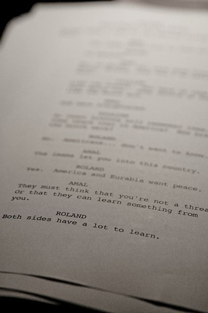 How do screenplays divide dialogue by gender? featured image