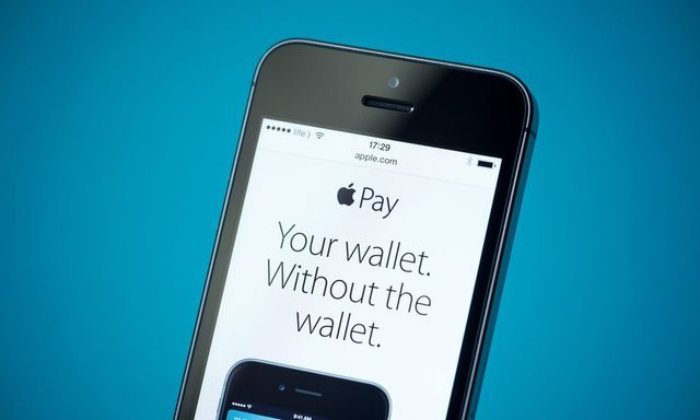 France Says 'Bonjour' To Apple Pay featured image