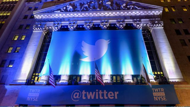 Twitter reaches deal to show tweets in Google search results and stock price rallies on news featured image