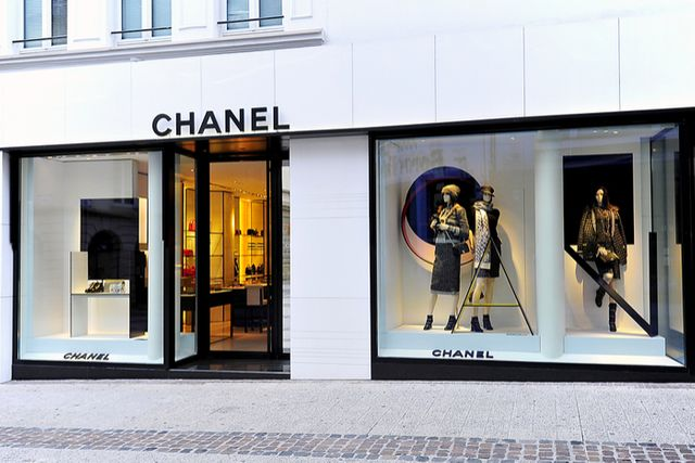 Click and brick working in harmony for Chanel and Farfetch featured image