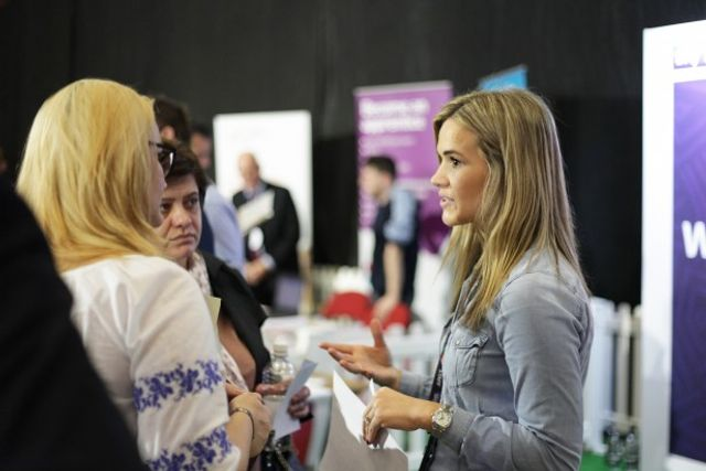 DOs & DON'Ts at Jobs Fairs. featured image