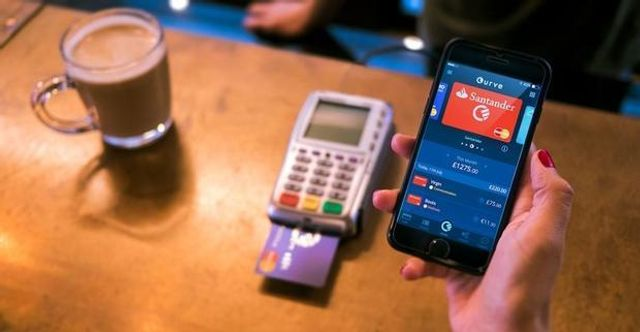 Fintech startup Curve launches its connected card app featured image