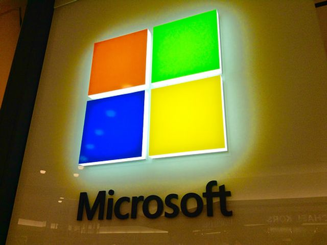 How Microsoft Bet Big On The Web featured image