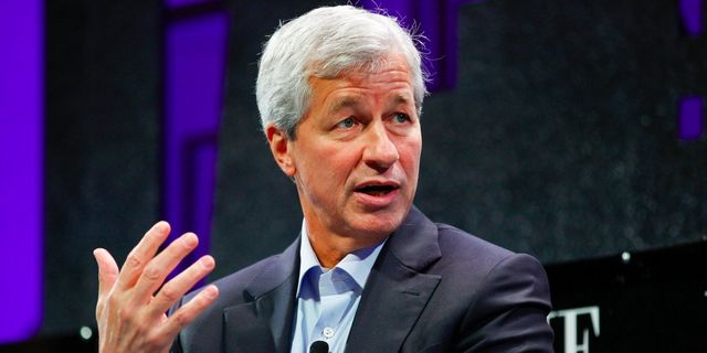 Jamie Dimon is latest to say there is stress in the auto-loan market featured image