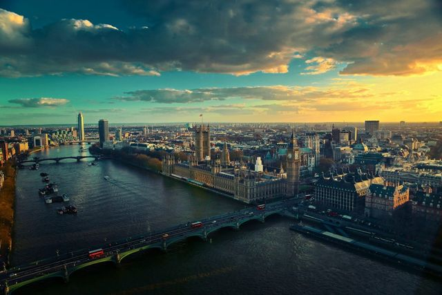 Solar, Batteries and London's first virtual power plant featured image