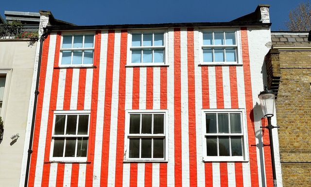 The story of the controversial candy-stripe house featured image