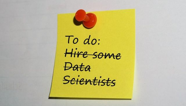 Data scientists or self-service BI? featured image