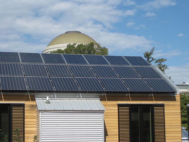 A Quarter Of Australian Businesses Generate Electricity With Solar PV featured image